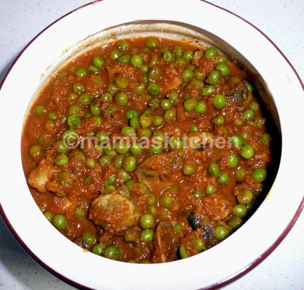 Matar Mushroom - Mushroom and Peas Curry