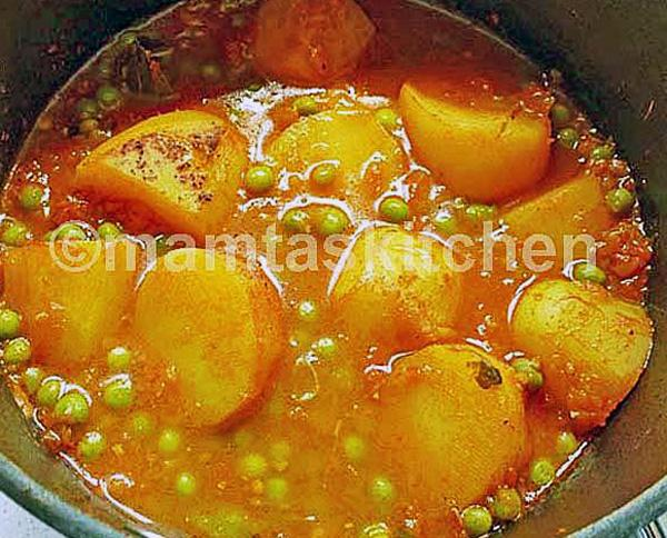 Potato Curry 7 With Peas
