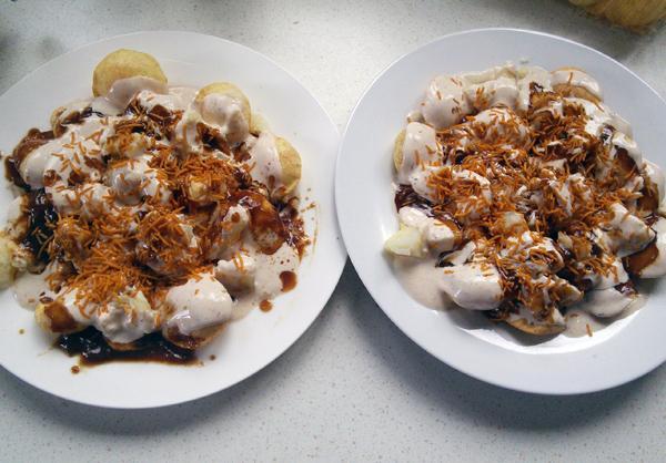 Papari Chat-Papadi Semolina Crackers in Yoghurt &Tamarind Sauce