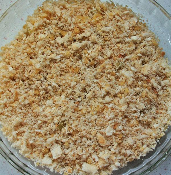 Apple Crumble with a Bread Crumb Topping