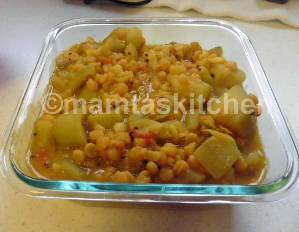 Chana Dal (Split Bengal Gram) With Bottle Gourd 2, With Curry Leaves Tarka
